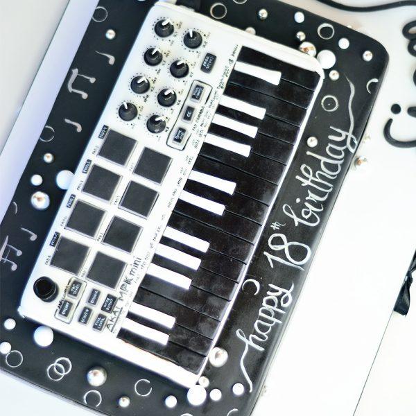 Keyboard Torte