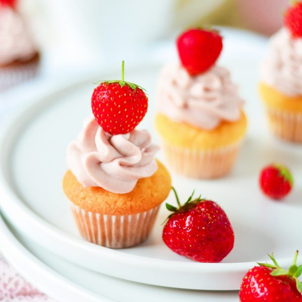 Mini Erdbeer Cupcakes