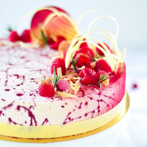 Weiße Schokolade-Himbeer-Torte